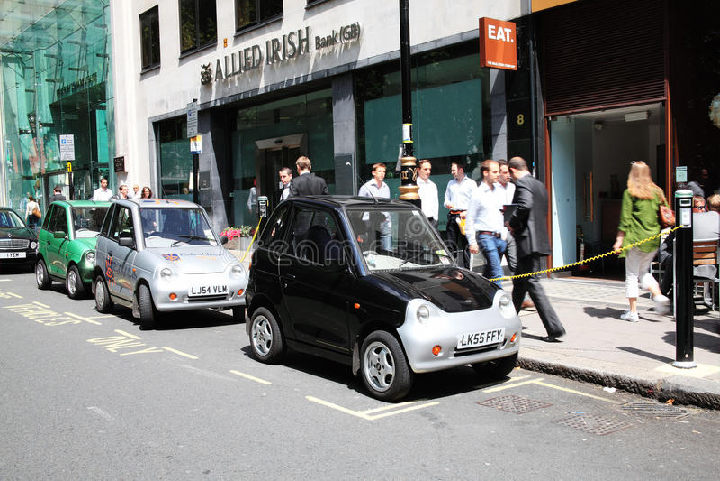 Points de remplissage de véhicule électrique photos libres de droits