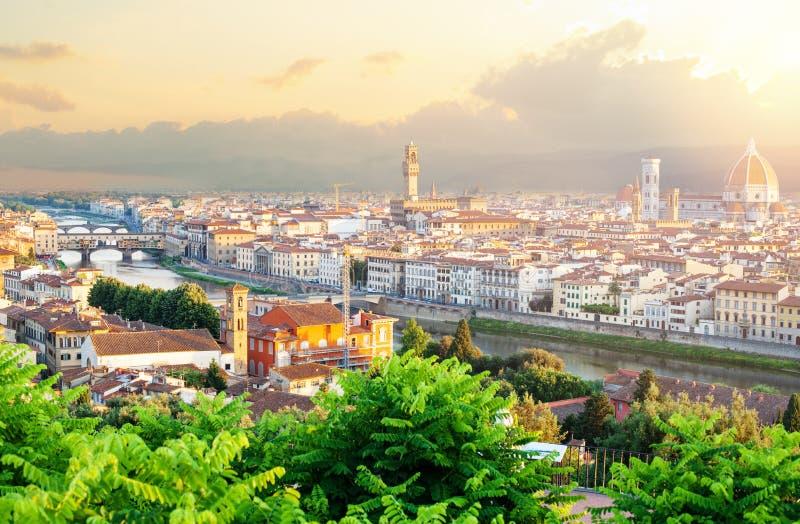 Points de repère de Firenze Aube d'été à Florence Horizon de paysage urbain de Florence Italy avec le Duomo, place de Signoria, P photographie stock libre de droits
