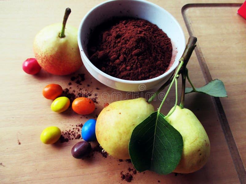 Poires et chocolat (dossiers de tâche) photos libres de droits