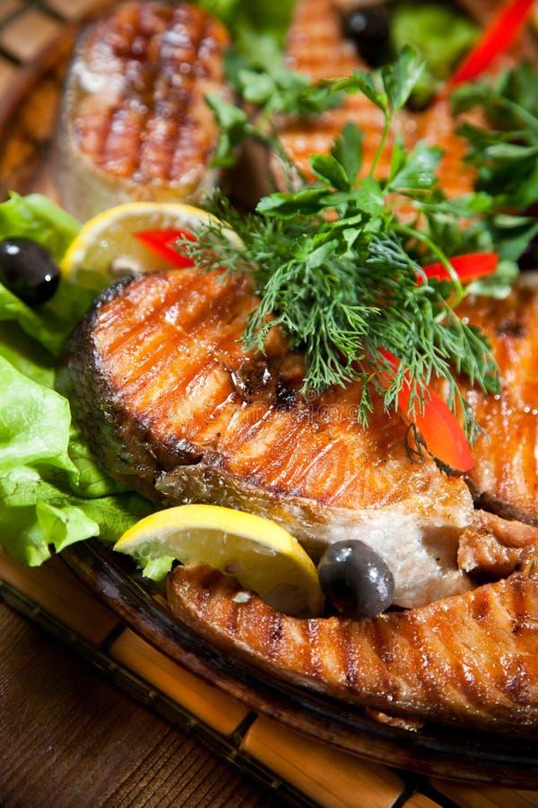 Poissons grillés images stock