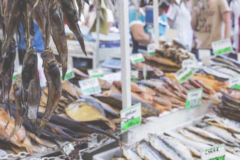Download Poissons Salés Secs à Un Marché D'agriculteurs à Odessa, Ukraine Photo stock - Image du épicerie, odessa: 76085554