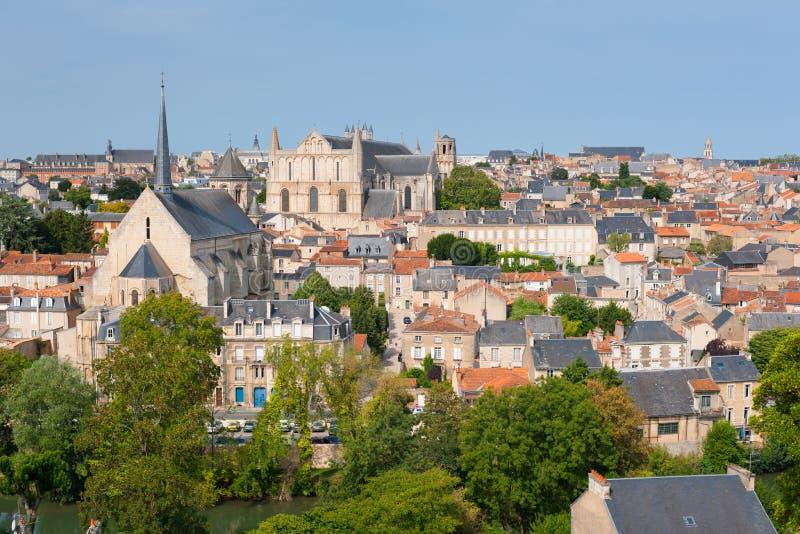 Poitiers en verano imagen de archivo