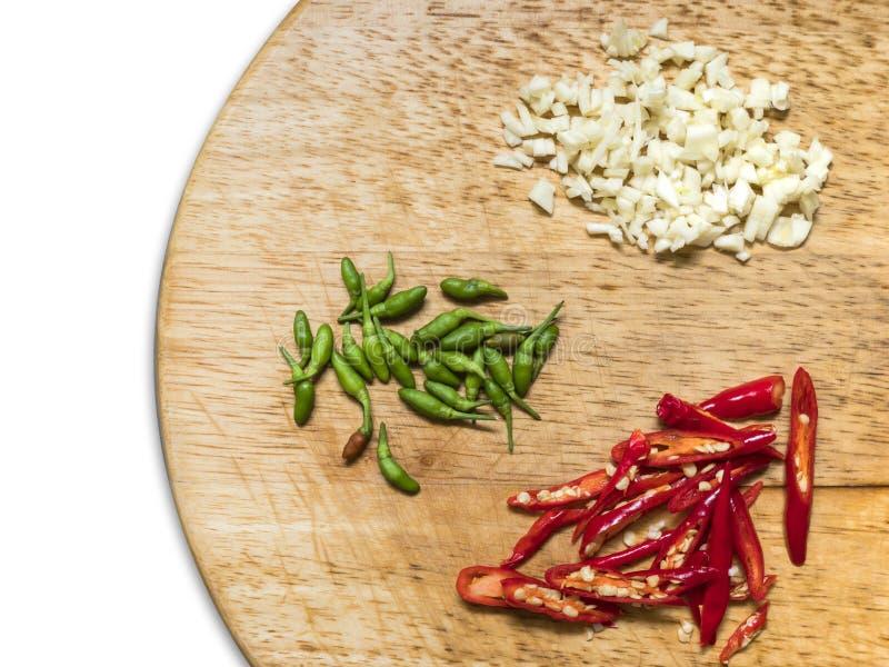 Poivrons de piment et ail rouges et verts images stock