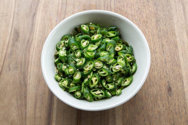 Download Poivrons Verts Coupés En Tranches Image stock - Image du poivre, cuisine: 56485537