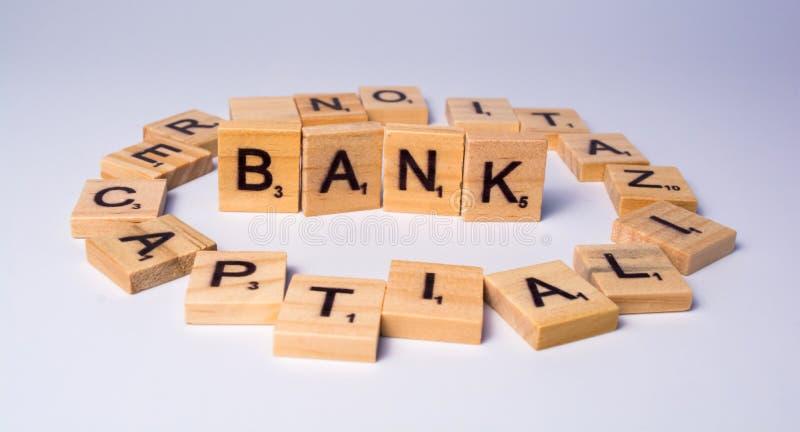 Pojęcie banka recapitalization na odosobnionym tle obrazy stock