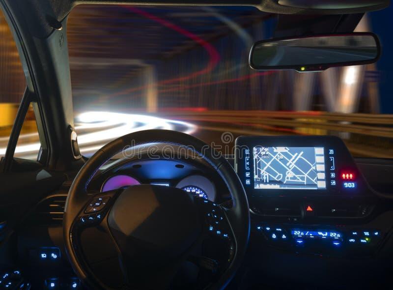 Pojęcie kokpit autonomiczny samochodowy jeżdżenie przy nocy bolączką zdjęcie stock