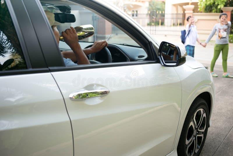 Pojęcie na pić i kierowca przyczynie wypadek obrazy stock