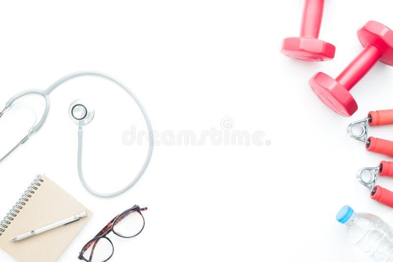Pojęcie opieka zdrowotna i sprawność fizyczna Doktorskie ` s rzeczy i sporta equ obraz stock