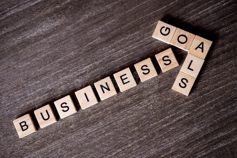 Pojęcie przedstawiający crossword z słowo biznesowym sukcesem iść fotografia royalty free
