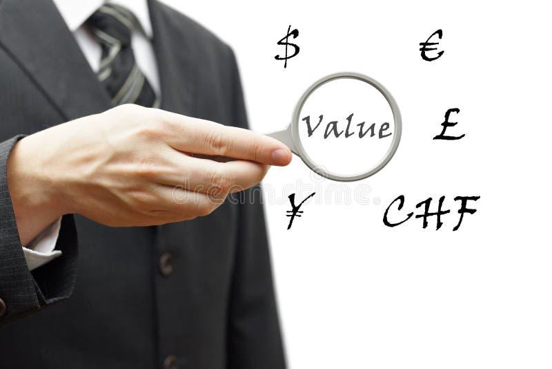 Pojęcie wartość pieniądze z wieloskładnikowymi walutami fotografia royalty free