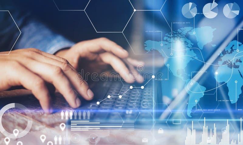 Pojęcie wirtualny diagram, wykresów interfejsy, cyfrowy pokaz, związki, statystyk ikony Samiec ręki pisać na maszynie na doku fotografia royalty free