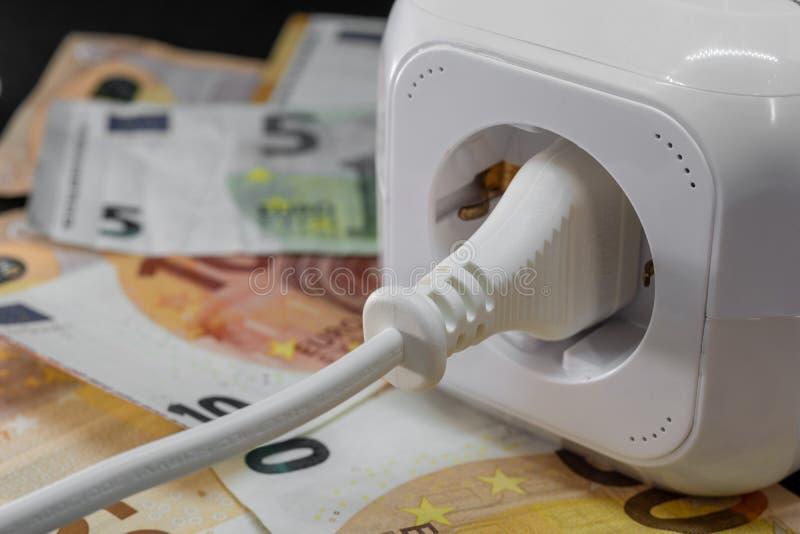 Pojęcie wizerunek - koszt energia lub koszty władza fotografia royalty free