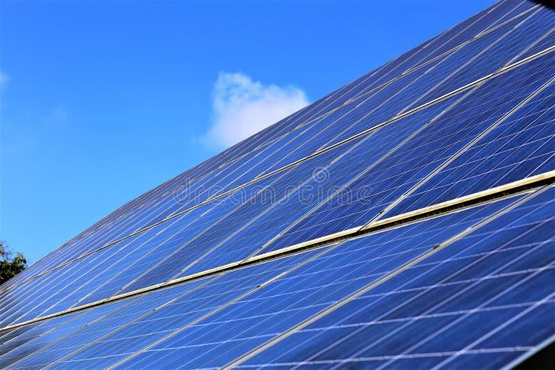 Pojęcie wizerunek ogniwa słoneczne, panel - energia zdjęcie stock