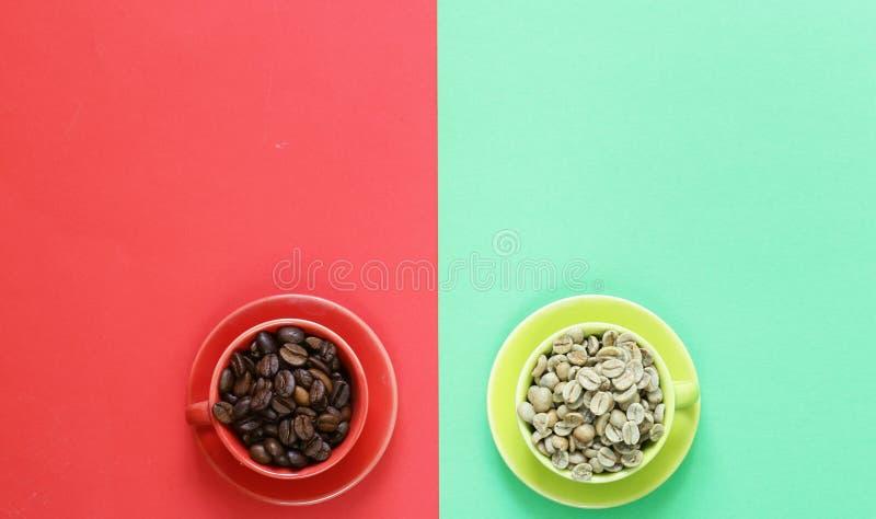 Pojęcie zielona i czarna kawa fotografia stock