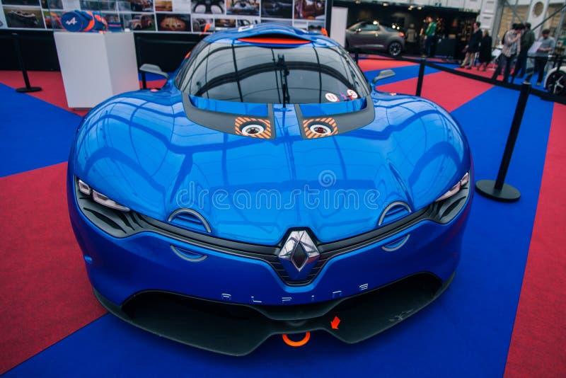 Download Pojęcie Samochodowy Renault Alpejski A110-50 Obraz Stock Editorial - Obraz złożonej z hybryd, struktura: 28971439
