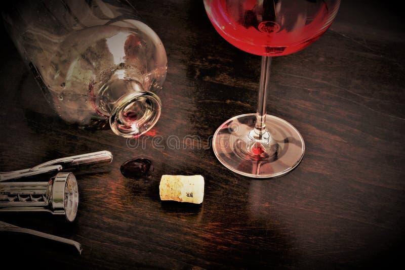 Download Pojęcie Wizerunek Wineglass, Alkohol, Wino Obraz Stock - Obraz złożonej z czerń, pusty: 106900785