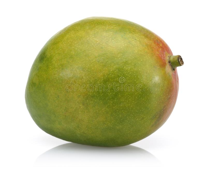 Pojedyncza mangowa owoc na białym tle obrazy stock