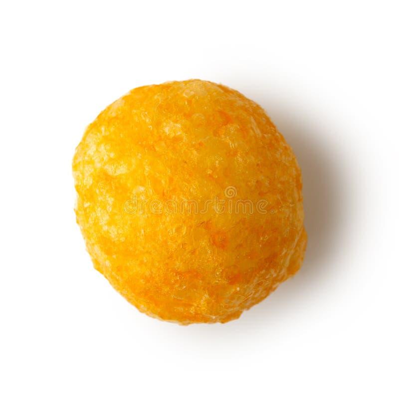 Pojedyncza wyrzucona chuchająca serowa piłka odizolowywająca na bielu od above zdjęcie stock