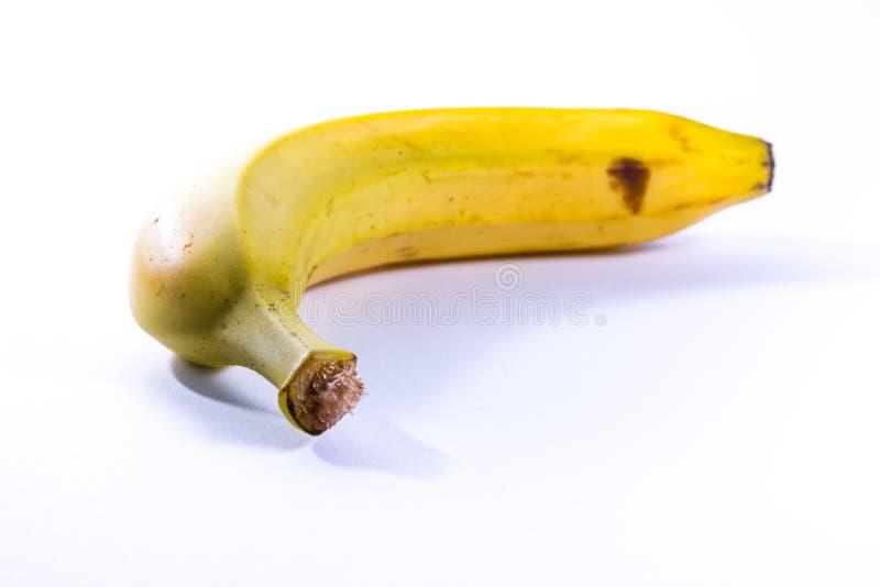 Pojedynczy Bananowy Żółty Dojrzały Świeżej owoc Odosobniony Biały tło zdjęcia stock