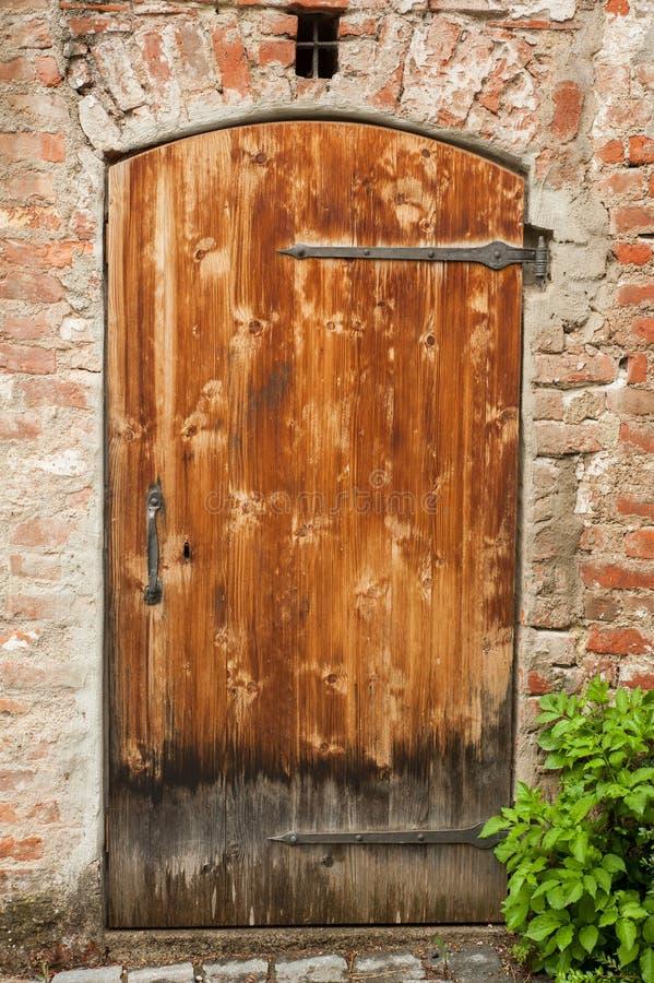 Pojedynczy stary drzwi, wejście zdjęcie stock