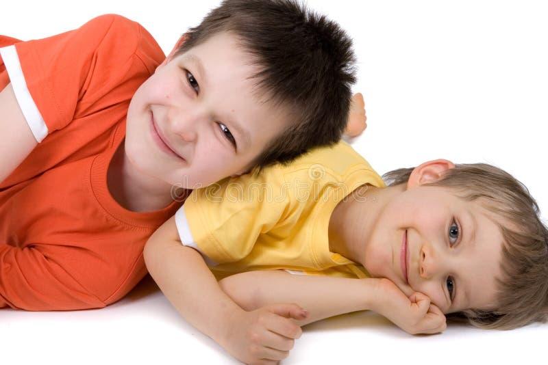 pojkar lyckliga två arkivbild