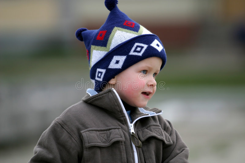 Download Pojke arkivfoto. Bild av något, little, spelrum, barn, gott - 25114