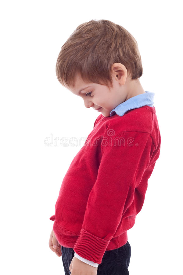 pojke little som är fundersam fotografering för bildbyråer