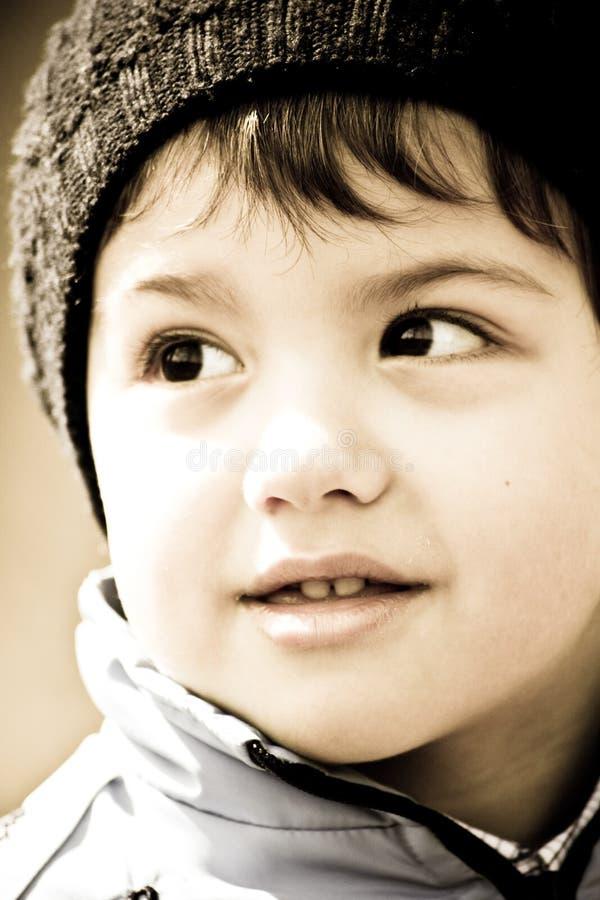 pojke little som ler royaltyfri fotografi