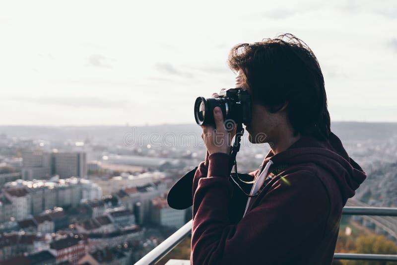 Pojke med kameran