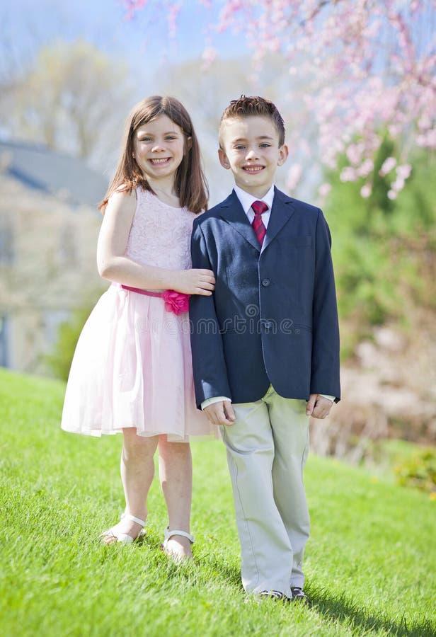 Pojke och flicka royaltyfria bilder