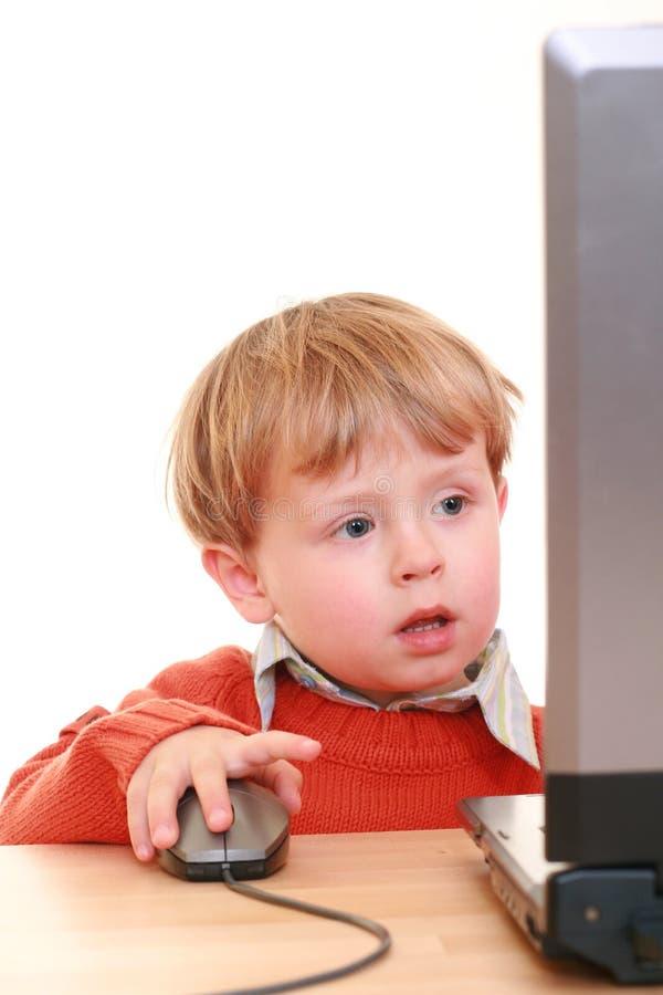pojkedator fotografering för bildbyråer