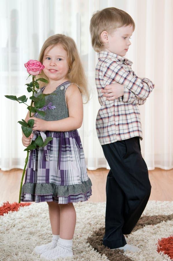 pojkeflicka fotografering för bildbyråer