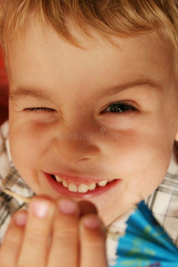 pojkeglimt fotografering för bildbyråer