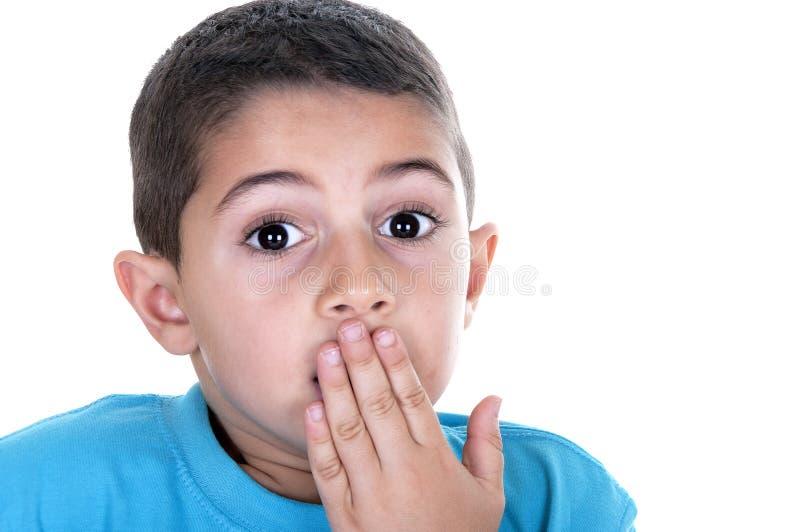 pojken little skrämmde royaltyfri fotografi