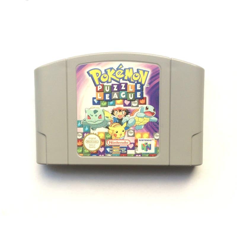 Pokémon难题同盟任天堂64游戏盒 免版税库存照片