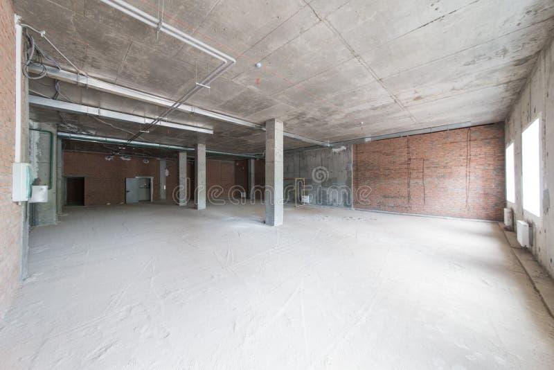 Pokój bez kończyć Nowy projekt w nowym domu Budowa i wynajem biura zdjęcia stock