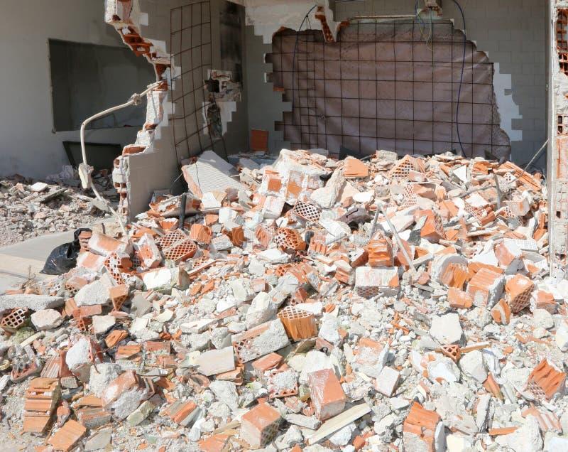 Pokój całkowicie wyburzający stary dom obrazy stock