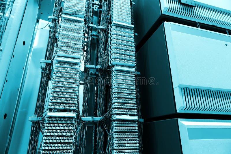 Pokój, Telekomunikacyjny wyposażenie i serwery, nowożytny dane centrum fotografia stock