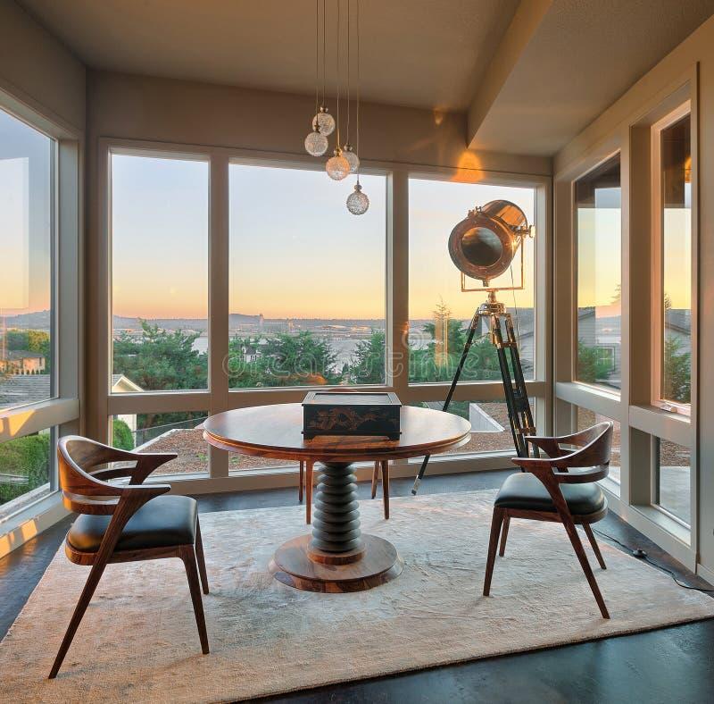 Pokój z widokiem w luksusu domu zdjęcia stock