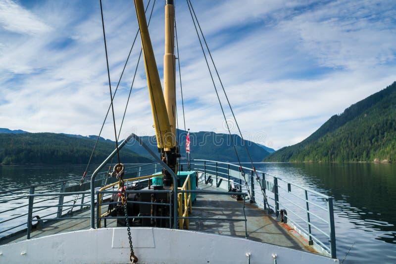 Pokład ferryboat pobliski Portowy Alberni, Vanouver wyspa, BC zdjęcia stock