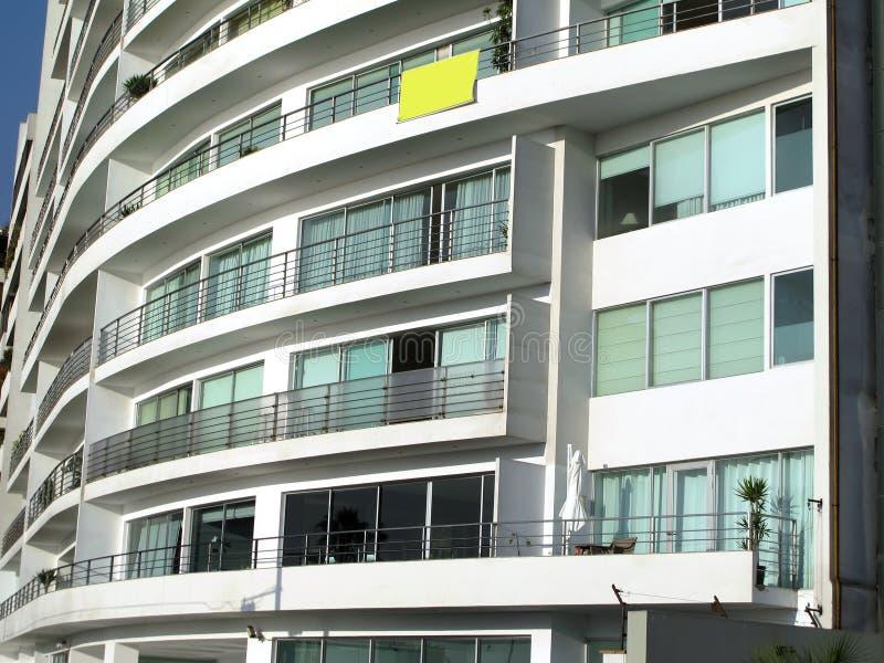 pokazywać okno budynków mieszkaniowy udziały obraz stock