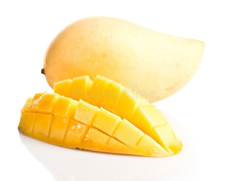 pokazywać pokrojonej kobiety owoc rżnięty owocowy mango obraz royalty free