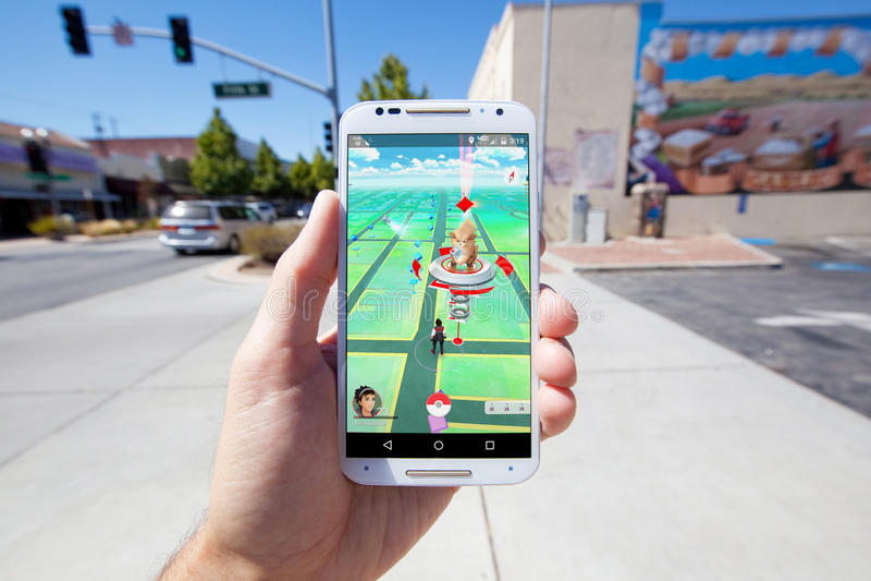 Pokemon VA mapa del juego en un ajuste comercial fotografía de archivo