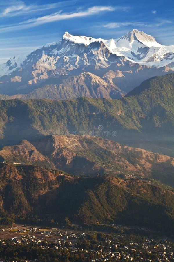 Pokhara en het Himalayagebergte in Dawn, Nepal royalty-vrije stock fotografie
