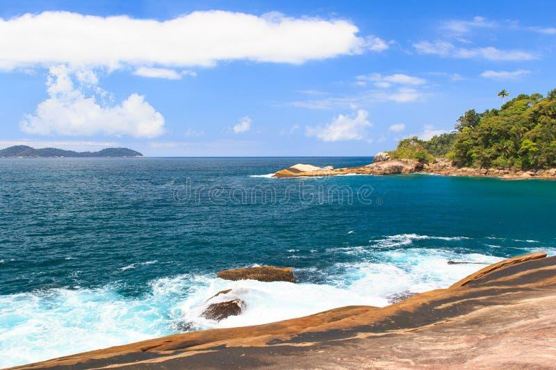 Pokojowa wyspa Ilha Grande, Brazylia zdjęcie stock