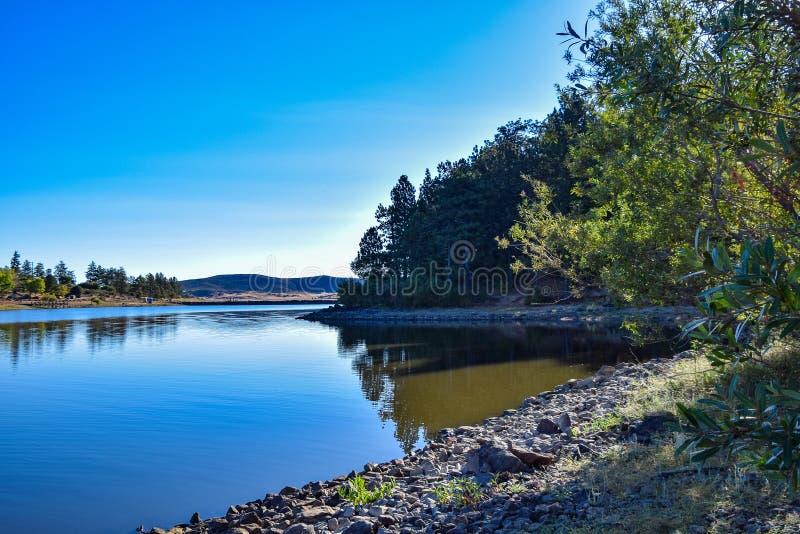 Pokojowy wpust przy Cuyamaca jeziorem na wschód od San Diego obrazy royalty free