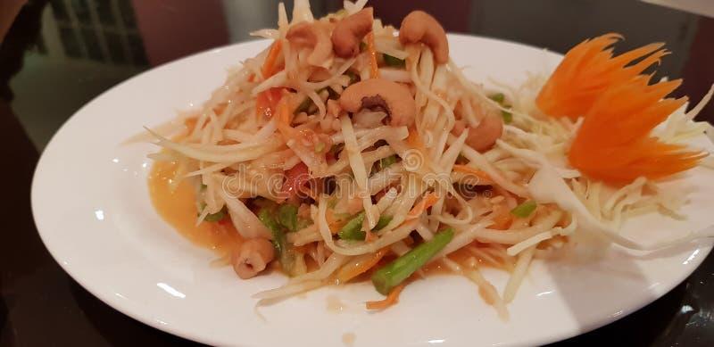 Pokpok de salade de papaye de Tam de som image stock