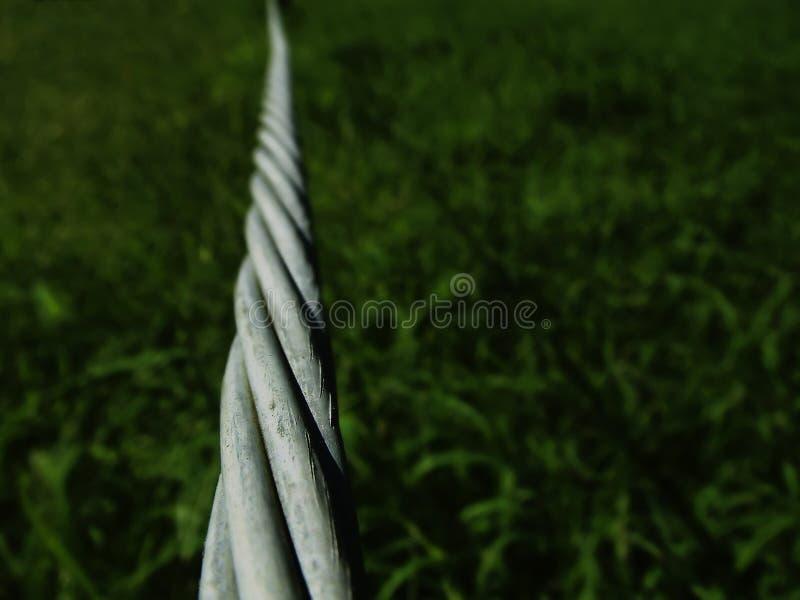 Download Pokręcony przewód obraz stock. Obraz złożonej z drut, fence - 32703