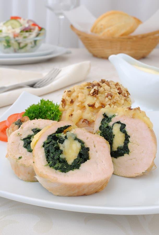 Kurczak rolada faszerująca z szpinakiem i serem obraz royalty free