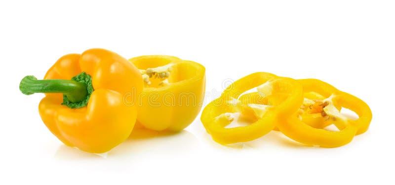 Pokrojony żółty papryka pieprz odizolowywający na białym tle obraz royalty free